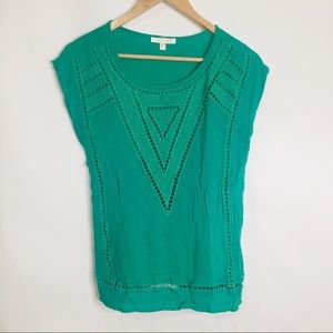 Skies are Blue layered lace green tank